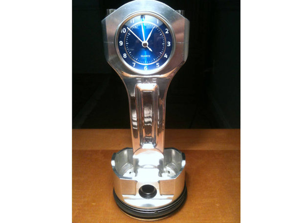 Chevy Big Block Racing Piston and Rod Clock / Image courtesy: Dan's Custom Clock via Etsy